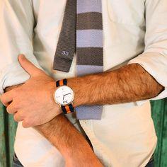 33   Watch and tie.  #33 #tie #watch #colors  www.treinta-tres.com
