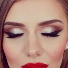 55 New Ideas For Bridal Vintage Makeup Make Up - Prom Makeup Looks Kiss Makeup, Prom Makeup, Love Makeup, Bridal Makeup, Makeup Tips, Beauty Makeup, Hair Makeup, Red Dress Makeup, Amazing Makeup