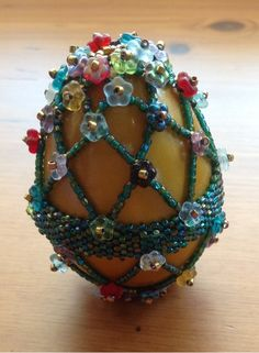 Beadwork by Yvonne Kuriata