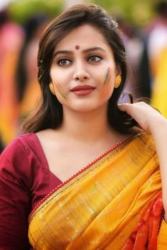 Exclusive stunning photos of beautiful Indian models and actresses in saree. Beautiful Girl Indian, Beautiful Girl Image, Beautiful Saree, Beautiful Indian Actress, Beautiful Women, Beautiful Gorgeous, Holi Girls, Best Cars For Women, Cute Girl Photo
