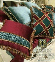 Sewing Pillows, Diy Pillows, Throw Pillows, Cushion Cover Designs, Cushion Covers, Pillow Covers, Designer Bed Sheets, Cushion Embroidery, Christmas Pillow