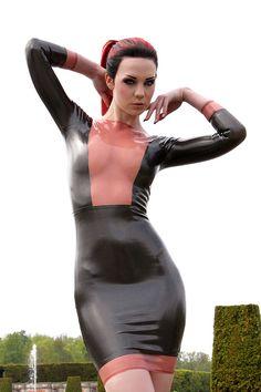 Model: Starfucked - https://www.facebook.com/Starf.ModelPhotographer: Natalie G SundlingDress: Maebelle Latex