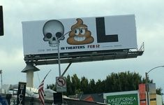 Hilarious Deadpool Billboard Uses Emojis to Spell Out the Movie's Title Funny Pictures Tumblr, Bizarre Pictures, Tumblr Funny, Best Funny Pictures, Dc Movies, Good Movies, Deadpool Film, Action Movie Stars, Guerilla Marketing
