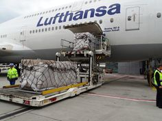 Lufthansa B747 being loaded with cargo