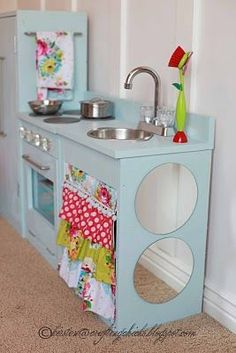DIY Blue Play Kitchen really cute DIT wood Kit + good ideas for supplies … sliver bowl or doggie bowl for sink . ask for old faucets and oven knobs on free cycle (other kitchen fixtures) old phone ( for kitchen ( did i throw that one out) Diy Play Kitchen, Kitchen Sets, Play Kitchens, Mini Kitchen, Real Kitchen, Kitchen Colors, Kitchen Stove, Kitchen Fixtures, Easy Diy Projects