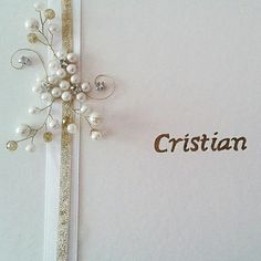 Guestbook with gold details and pearl