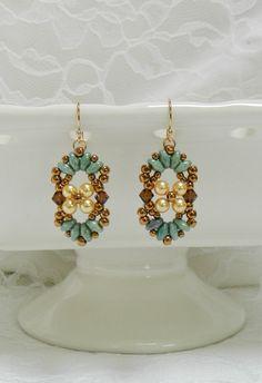 Swarovski Beaded SuperDuo earrings,Swarovski earrings,Pearl earrings,Leverback,Clip on,Pearl jewelry - Petite Flower earrings