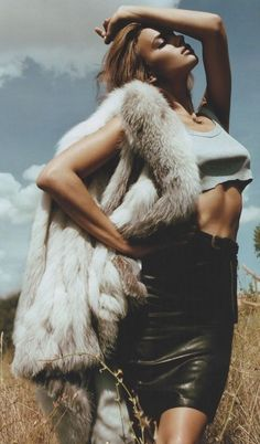 Outdoor shoot with fur draped over shoulder. Love the posing. Model. | Fashion Photography