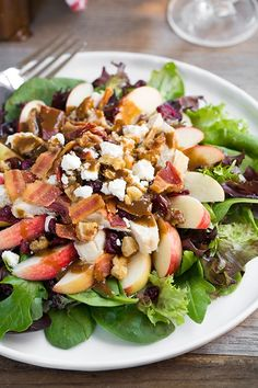 Apple-Feta Salad with Chicken, Bacon and Walnuts and Balsamic Vinaigrette - Cooking Classy **Update - I made this for dinner tonight and it was protein and fiberlicious! Steak Salat, Salada Light, Balsamic Vinaigrette Recipe, Balsamic Vinegar, Clean Eating, Healthy Eating, Main Dish Salads, Salad Dishes, Feta Salad