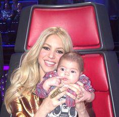 Shakira y Milán en The Voice    La cantante, que sustituye a Christina Aguilera en el programa, subió a las redes sociales dos imágenes de ella con su hijo mientras veían una actuación. http://www.kienyke.com/confidencias/shakira-y-milan-en-the-voice/