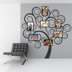 """Adesivo Murale - Albero Portafoto.  Adesivo murale di alta qualità con pellicola opaca di facile installazione. Lo sticker si può applicare su qualsiasi superficie liscia: muro, vetro, legno e plastica.  L'adesivo murale """"Albero Portafoto"""" è ideale per decorare il soggiorno. Adesivi Murali."""