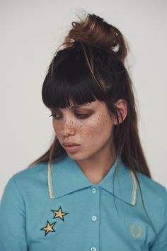 Fred Perry x Bella Freud! Fred Perry, Sketch Faces, Hair Inspo, Hair Inspiration, Pretty People, Beautiful People, Textiles Y Moda, Bella Freud, Woman Face