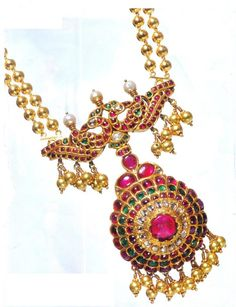 Gold Temple Jewellery Sets by Designer Manjula Rao. She is a Jewellery Designer Gemologist and Manufacturer. Her jewellery is made of diamonds, precious stones and 22 carat gold. Buy Gold Jewellery Online, Gold Temple Jewellery, 14k Gold Jewelry, India Jewelry, Jewelry Sets, Wedding Jewelry, Antique Jewelry, Pendant Jewelry, Traditional Indian Jewellery
