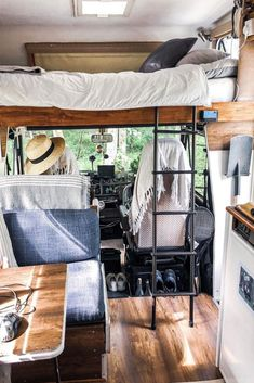 Camper Van Interiors That Could Replace A Tiny Home - Van- Life - Adventure Sprinter Camper, Camping Car Sprinter, Bus Living, Tiny House Living, Casas Trailer, Life Hacks, Kombi Home, Camper Van Conversion Diy, Diy Van Camper