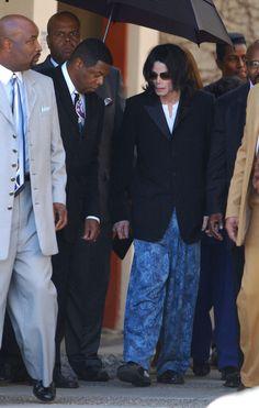 Image from http://www1.pictures.zimbio.com/bg/Jackson+s+Pajamas+8_pU-3rjn-tl.jpg.