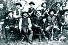 The Texas Rangers were gathered in 1823 after the Mexican War of Independence. Their purpose was to defend Texas, hence the name. Interestingly, the Texas Rangers had a serious reputation for violence more than defense. Old West Photos, Rare Photos, Texas Rangers Law Enforcement, Mexican War Of Independence, Westerns, Forty Niners, Republic Of Texas, Texas History, University Of Kentucky