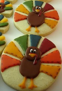 These Thanksgiving cookie design would look great made out of clay for a card or…