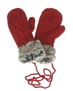 Keep Jack Frost from nipping at your fingers. Tanya will keep your hands toasty warm in the frost ridden months. This fleece lined mitten has a snug cable knit on the outside for extra cuteness and a