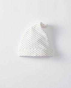First Layers Gnome Hat In Organic Cotton in Hanna White Soft Black - main  Organic e1551e57cad0