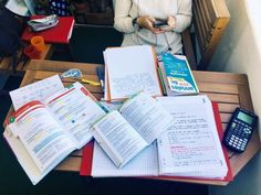 etuderhjemme: Yesterday study-session with Cassie on the balcony, preparing ourselves for our tests on saturday morning : ses and physics-chemistry