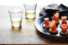 Wild Salmon Crostini with Agave-Thyme Vinaigrette » Miraval