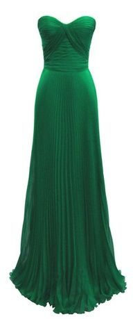 Emerald floor length evening gown with a sweetheart neckline, swoon!