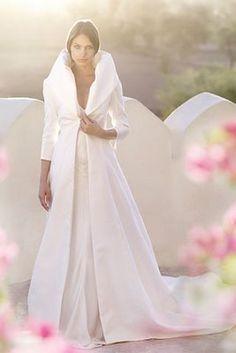 Robe de mariage d'hiver. Jolie manteau qui rend la robe encore plus jolie