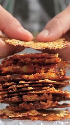 Parmesan Chips, Parmesan Recipes, Zucchini Parmesan, Recipe Zucchini, Zucchini Bread, Vegetarian Recipes, Cooking Recipes, Healthy Recipes, Ovo Vegetarian