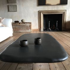 Love the coffee table ➰ Wabi Sabi, Interior Styling, Interior Decorating, Casa Milano, Architecture Design, Casa Patio, Home Decoracion, Tadelakt, Deco Design