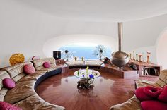 conversation pit / sunken living room with a view of the sea Conversation Pit, Sunken Living Room, Living Rooms, Vintage Interiors, Modern Interiors, Living Room Flooring, Lounges, Creative Home, Decoration