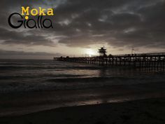 San Clemente - California  http://mokagialla.blogspot.com.br/2013/10/awesome-fucking-bench.html
