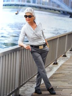 Best Clothing Styles For Women Over 50 - Fashion Trends Mature Fashion, Older Women Fashion, Over 50 Womens Fashion, Grey Fashion, Fashion Over 50, Look Fashion, Fashion Outfits, Fashion Trends, Drop Dead Gorgeous