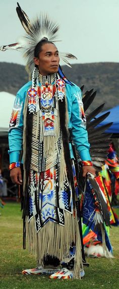 Native American Face Paint, Native American Dress, Native American Actors, Native American Pictures, Native American Regalia, Native American Beauty, American Indian Art, Native American History, Le Male