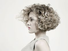 Immagine di http://www.mybeauty.it/wp-content/uploads/2014/01/tagli-capelli-corti-e-ricci.jpg.