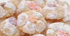 I am so excited to bring to you today a wonderful Amaretti Cookie   recipe from my blogger friend Laura over at InCucinaColCuore .   L...