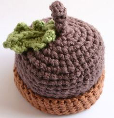 Handcrafted Organic Baby Hats for Chilly Winter Days – Inhabitots Crochet Fall, Crochet For Boys, Crochet Baby Hats, Cotton Crochet, Crochet Beanie, Love Crochet, Crochet Gifts, Loom Knitting, Baby Knitting