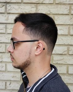 18 Best Low Fade Comb Over Haircuts in 2020 Thick Curly Hair, Long Curly, Curly Hair Styles, Natural Hair Styles, Comb Over Haircut, Low Fade Haircut, Classic Hairstyles, Funky Hairstyles, Formal Hairstyles
