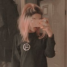 pink hair bc i want them Schmeichelhafte 85 Pastellrosa-Haar-Ideen How To Deal With Hair Growth? Dye My Hair, New Hair, Pastel Pink Hair, Pink Short Hair, Dyed Hair Pink, Short Dyed Hair, Girl With Pink Hair, Hair Color Pink, Pink Haired Girl