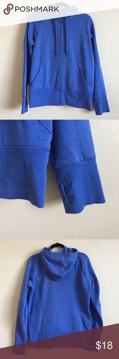 GapFit Hoodie Gap Fit hoodie sweatshirt. Pretty periwinkle color. Thumb holes on sleeves. Thick and cozy. In great condition. GAP Tops Sweatshirts & Hoodies