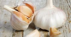 In this life, it is of vital importance for you to know how garlic aids in cancer treatment & blood pressure issues. Garlic cloves holds many health benefit Cancer Treatment, Aged Garlic Extract, Garlic Health Benefits, Natural Antibiotics, Anti Inflammatory Recipes, Roasted Garlic, Grow Garlic, Fresh Garlic