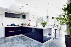 Be inspired by thisselection of contemporary kitchensand discoverthe materials and finishes you need to recreate these strikinglooks in your home