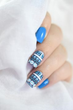 Marine Loves Polish: Nailstorming - Le Froid - Winter sweater nail art - what's up nails water decals [VIDEO TUTORIAL] Nail Art Diy, Easy Nail Art, Christmas Nail Designs, Christmas Nails, Galeries D'art D'ongles, Nail Art Designs, Ongles Or Rose, Nails Opi, Nagellack Trends