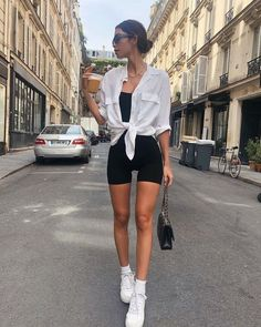 athleisure outfits for work; athleisure outfits plus size; Mode Outfits, Sport Outfits, Fashion Outfits, Fashion Ideas, Best Outfits, Fashion Shorts, Hijab Fashion, Fashion Tips, Mode Ootd