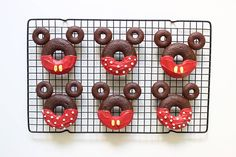 Mickey & Minnie Donuts | Decorated Disney chocolate baked doughnut recipe for breakfast or dessert | [ http://di.sn/6003BAlOH ]