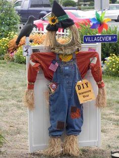 Do-It-Yourself Scarecrow Wear Scarecrow Party, Scarecrow Festival, Scarecrow Ideas, Halloween Make, Holidays Halloween, Fall Crafts, Holiday Crafts, Holiday Decorations, Fall Yard Decor