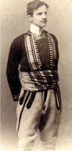 Нікола Тэсла, 1880. - Nikola Tesla -  Tesla wearing the Serbian national costume, c.1880.