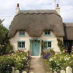#cottage #england #romantic #vintage #antique #cottagegarden