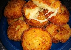 Potato balls with cheese Pulai Kitti's RecipeCookpad recipes Tasty, Yummy Food, Fritters, Holiday Recipes, French Toast, Bbq, Food And Drink, Potatoes, Cheese
