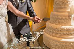 Fabio Ferreira Fotografia | Fotografia de Casamento | Wedding Photography | www.fabioferreirafotografia.com | Wedding Cake | Bolo de Casamento | Real Wedding | Bride | Noiva | Casamento | #Weddings #Casamento #WeddingCake #BoloDeCasamento #FabioFerreiraFotografia #FotografiaCasamentoRJ