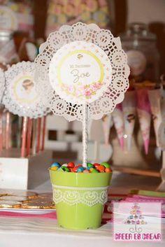 Centritos de Mesa! Unicorn Birthday, Unicorn Party, Diy Fashion Videos, Paper Doilies, Baby Shower, Ideas Para Fiestas, Party Centerpieces, Diy Party, Party Time